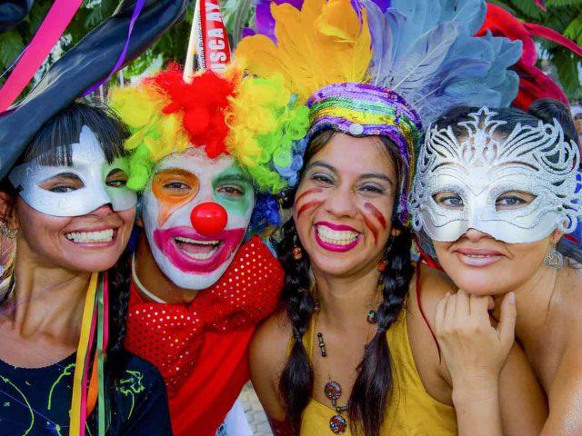fiesta_maskes-min